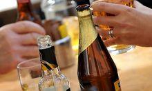 Alkoholismus kostet alleine dem Gesundheitssystem direkt 375 Millionen Euro.