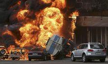 Der Rauch nach der Tanklaster-Explosion in Almaty war kilometerweit zu sehen.