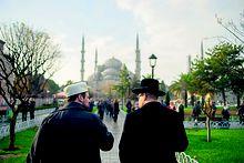 Schlomo Hofmeister, Gemeinderabbiner in Wien, und Ramazan Demir, Imam der Islamischen Glaubensgemeinschaft Österreichs reisten gemeinsam auch nach Istanbul.