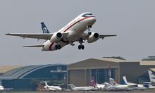 Indonesien Russischer Superjet Demonstrationsflug