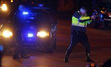 Die Polizei ist auf der Suche nach dem Schützen.