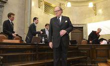 Mensdorffs Geldbote holte Millionen in Kuverts ab