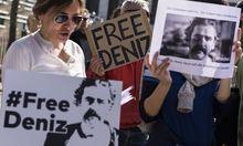 Demonstrationen für die Freilassung des Journalisten.