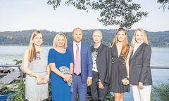 Maria Großbauer, Ingrid Flick, Thomas Hopfgartner, Christiane Arp, Paulina Swarovski, Ingrid Hedley (v. l.).