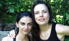"""Valentina Karga und Johanna Dehio laden ein in die """"Feuerküche"""". / Bild: Johanna Dehio"""