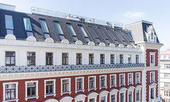 Nach aufwendigen Sanierungsarbeiten erstrahlt das Gründerzeithaus in der Doblhoffstraße in neuem Glanz.