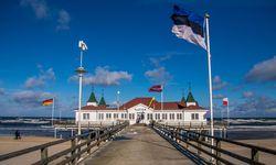 Das Ostseeband Ahlbeck mit seiner berühmten Seebrücke im Winter / Bild: Imago (Christian Grube)