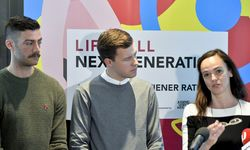 Peter Hanl (Life Ball Next Generation), Daniel Nagel, Sonja Hammerschmid (v. l.).  / Bild: (c) APA/HERBERT NEUBAUER
