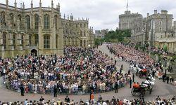 Schon Prinz Edward und Sophie Rhys-Jones heirateten 1999 in der Kapelle von Schloss Windsor. / Bild: (c) REUTERS (POOL Old)