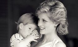 Lady Diana mit Prinz Harry (1988).  / Bild: Reuters