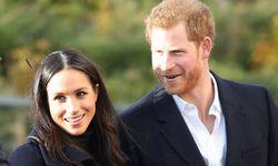 Meghan Markle und Prinz Harry hatten sich im November in London verlobt. Wenige Tage später absolvierten sie ihren ersten gemeinsamen Arbeitstermin. / Bild: (c) imago/i Images (Stephen Lock / i-Images)