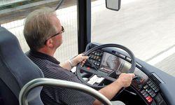 Busfahrer vom Typ Blechschmidt können sich auf der Insel Fehmarn und sogar auf einem Parkplatz verfahren – das schafft nur einer wie er.  / Bild: (c) BilderBox