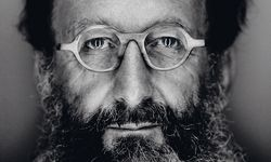 Maestro. Architekt Michele De Lucchi war einer der Designer der  Memphis-Gruppe. / Bild: (c) Giovanni Gastel