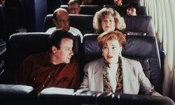 """John Heard zusammen mit Catherine O'Hara in einer Szene aus """"Kevin – Allein in New York"""" / Bild: imago/United Archives"""