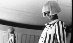 Space Age. In den Sechzigerjahren feierte André Courrèges große Erfolge mit seiner futuristischen  Vision von Mode. / Bild: (c) Beigestellt