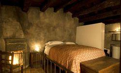 Das orginalgetreu sanierte Hoteldorf Sextantio in den Abruzzen bietet 29 komfortable Zimmer.   / Bild: www.santostefano.sextantio.it