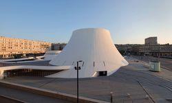 Baute nicht nur in Brasilia, sondern auch in Le Havre: Oscar Niemeyer schuf hier einen Vulkan aus Beton. / Bild: (c) imago/ZUMA Press
