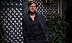 """""""Ich bin überzeugt, dass Kunst zur sozialen Bildung beitragen kann"""", sagt Regisseur Ruben Östlund, der in Cannes mit der Goldenen Palme prämiert wurde.  / Bild: (c) APA/AFP/LIONEL BONAVENTURE (LIONEL BONAVENTURE)"""