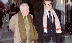 Pierre Bergé und Yves Saint Laurent bei einem Spaziergang in Paris. Bergé, der langjährige Lebensgefährte des verstorbenen Modeschöpfers Saint Laurent, starb in seinem Haus in der Provence. / Bild: (c) imago/E-PRESS PHOTO.com (� E-PRESS PHOTO.COM)