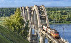Transib - Linienzug  / Bild: Semonoff
