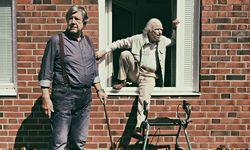 Seniorenkomödie. Robert Gustafsson (r.) als 101-jähriger Weltenbummler. / Bild: (c) Filmladen Filmverleih/Nice FLX