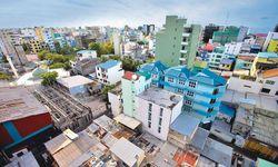 """Wandel. Seit einiger Zeit steigt der Einfluss Saudiarabiens auf den Malediven. Zuletzt berichtete die """"New York Times"""" vom Interesse der Saudis am Kauf eines Atolls. Im Bild: Hauptstadt Malé. / Bild: (c) EPA (PAUL HILTON)"""