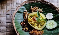 Exotisch. Reis mit Thai-Basilikum, Bohnen und scharf angebratenem Huhn. / Bild: (c) Anggara Mahendra