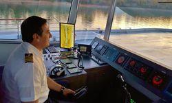 Unterwegs von Budapest nach Passau Bord der MS Primadonna gesteuert von Kapitän Radomir Bobokovic.    / Bild: (C) Scherl, Donau Touristik