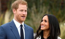 Britain´s Prince Harry poses with Meghan Markle in the Sunken Garden of Kensington Palace, London / Bild: (c) REUTERS (TOBY MELVILLE)