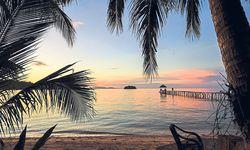 Die Unermüdliche: Chi ist ständig am Tun in ihrem Tauchressort auf der kleinen indonesischen Togian-Insel (bei Sulawesi). Trinkwasser kommt per Boot. Der Gast im Paradies ist hoffentlich sorgsam. / Bild: (c) Milda Drüke