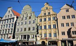Die Maximilianstraße, die viele neuralgische Bauten verbindet. / Bild: Tom Busch