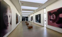 Gottfried Helnweins Bilder derzeit im Werner-Berg-Museum in Bleiburg.  / Bild: APA (Gert Eggenberger)