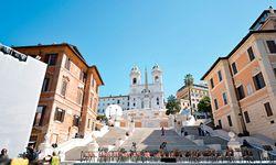 """Die Spanische Treppe ist möglicherweise ein """"gefährlicher"""" Ort. Doch gleich nebenan im Sterbezimmer des Schriftstellers John Keats ist die vermeintliche Bedrohung schnell vergessen. / Bild: (c) imago/Italy Photo Press"""