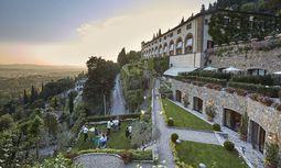 In Florenz und auf den Hügeln: die Belmond-Villa San Michele; die Fassade wird gar Michelangelo zugeschrieben. / Bild: Hotel Belmond Villa San Michele