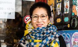 Ost und West. Tänzerin Takeya denkt in Gegensätzen. / Bild: Christine Pichler