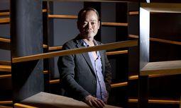Simon Xie Hong 2013 in seinem Lokal On Market an der Linken Wienzeile beim Naschmarkt: Das Restaurant sorgte bei seiner Eröffnung auch mit besonderer Architektur für Aufregung. / Bild: Die Presse/Michèle Pauty