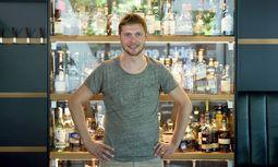 Bert Jachmann ist Barchef des Heuer am Karlsplatz – und organisiert das Liquid-Market-Festival heute im Volksgarten. / Bild: (c) Die Presse (Clemens Fabry)
