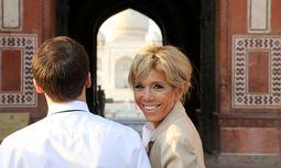 Emmanuel und Brigitte Macron vor dem Taj Mahal  / Bild: Reuters