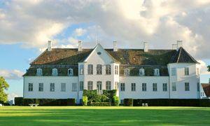 Gut Frederiksdal – ein nordisches Anwesen in Meeresnähe wie aus einem Bilderbuch.