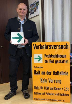 Vizebürgermeister Markus Hein auf einem Bild der FPÖ Linz