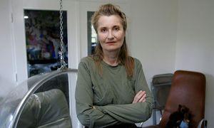 Elfriede Jelinek nach der Bekanntgabe ihres Nobelpreises 2004