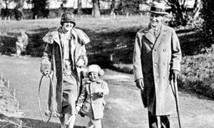 Flüchtiges Familienglück. Fitzgerald beim Spazieren mit Frau Zelda und Klein-Scottie.