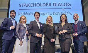 Manuel Bräuhofer, Manuela Lindlbauer, Monika Poeckh-Racek, Conrad Pramböck, Manuela Vollmann und Michael Köttritsch (v. r.) diskutierten die gläserne Decke.