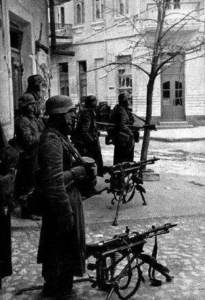 Deutsche MG-Schützen in Feodosia