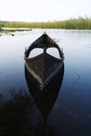 Ein Fischerboot vor Tulcea.