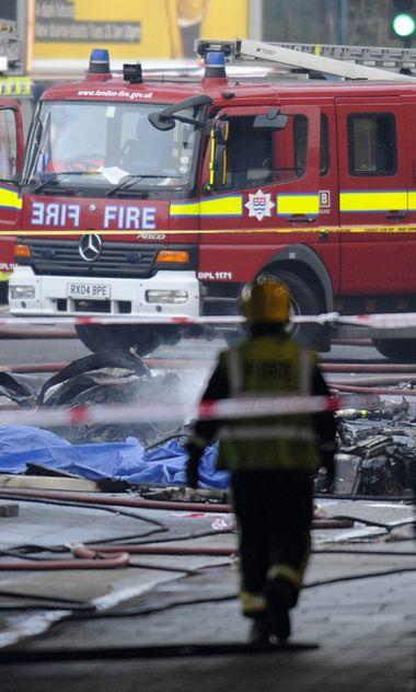 60 Feuerwehrleute rückten zum Unfall aus.