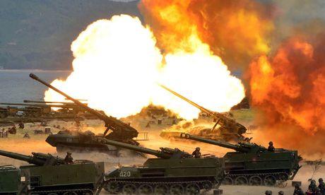 """Nordkoreanische Machtdemonstration: Das stalinistische Regime """"übt"""" den Angriff auf das verhasste Südkorea. / Bild: (c) APA/AFP/KCNA VIA KNS/STR"""