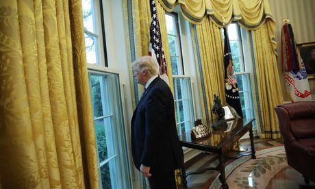 US-Präsident Donald Trump blickt am 100. Tag seiner Amtszeit zurück. / Bild: (c) REUTERS (CARLOS BARRIA)