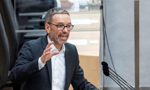 """Massenhaft falsche Testungen"": FPÖ will Sondersitzung des Nationalrats"