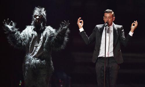 Starter konkurrieren im Finale des Eurovision Song Contest in Kiew